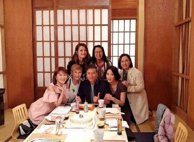 继TVB福将客串《爱·回家》之后 不老男神前来探班难道有大动作?