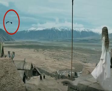四个即兴发挥的神镜头,天气也有小脾气,墙:雷神锤子很重?