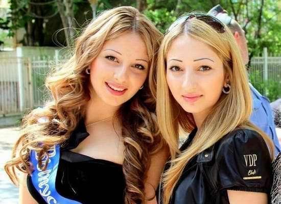 俄罗斯美女金发碧眼颜值高,但因为这2点,中国游客表示难以接受