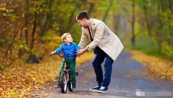 """""""爸爸,老师打我了!"""""""