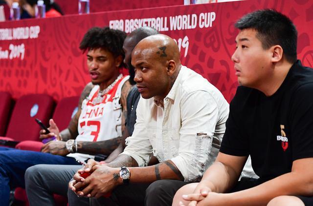 马布里、李楠二选一!库里与前者观点一致,中国球员需做好这一点