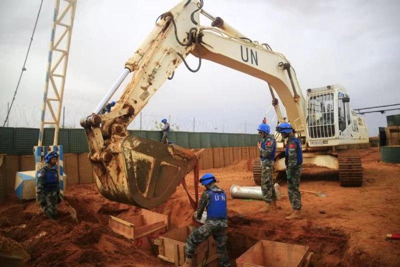 点赞!中国赴马里维和官兵高标准完成联合国营地大门改建任务