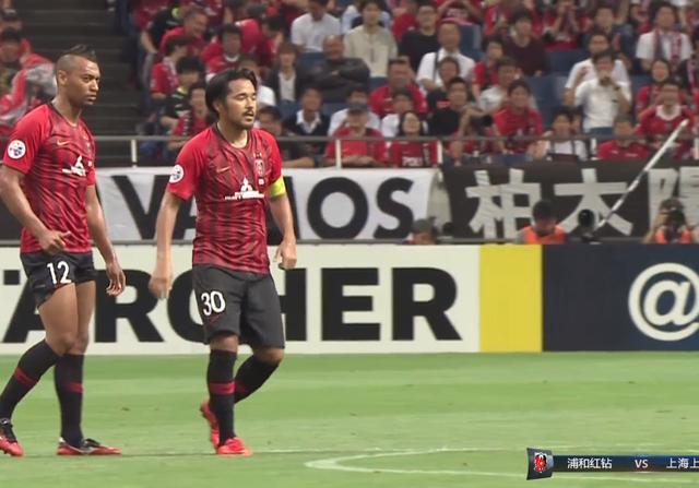 上港亚冠又落后了!28岁国门不慎乌龙,上港下半场需至少进2球