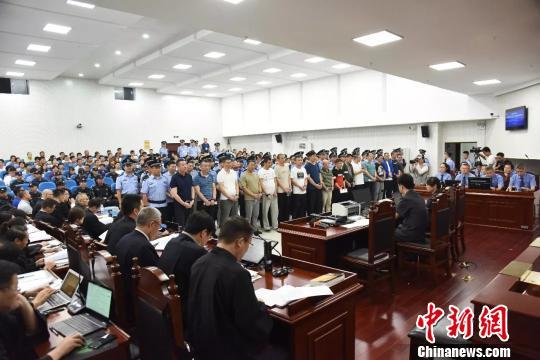 安徽蚌埠刘氏兄弟等人涉黑案一审开庭审理涉及22项罪名