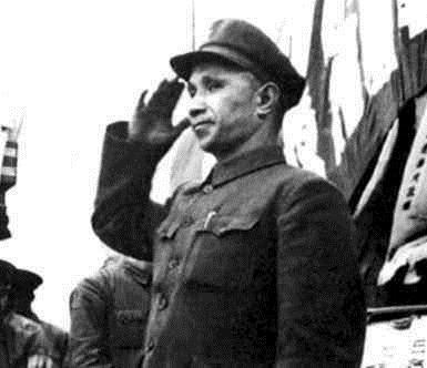曾立下赫赫战功的粟裕大将为何在建国后职务越来越低, 陈赓一句话道出了缘由