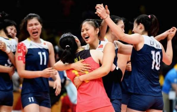 中国女排对阵多米尼加女排,郎平教练如何用兵?抓住对手一弱点,妥妥四连胜