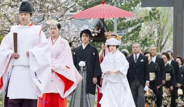 """日本人结婚的3个""""奇特""""婚俗,尤其是第三个,国人难以理解!"""