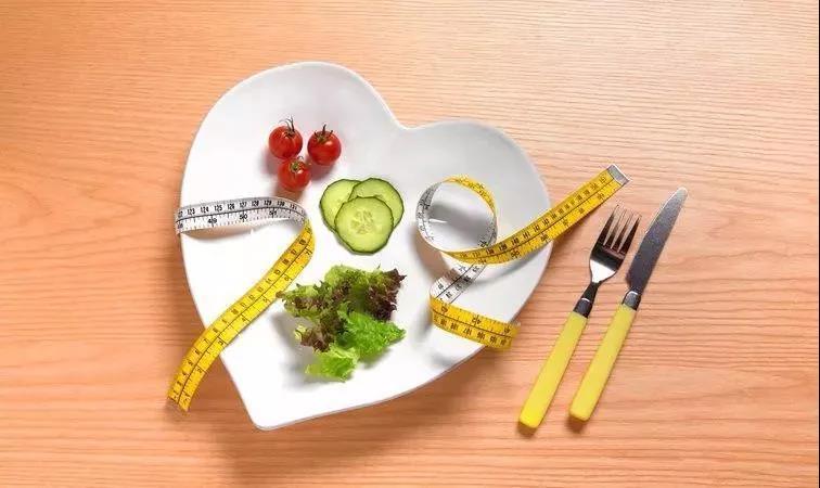 还相信少吃能远离糖尿病?58岁老糖友也曾这样做,受罪后才知道真相