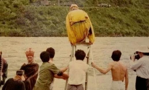 """《西游记》""""骗""""了我们33年,龙宫原来是用鱼缸拍的!"""