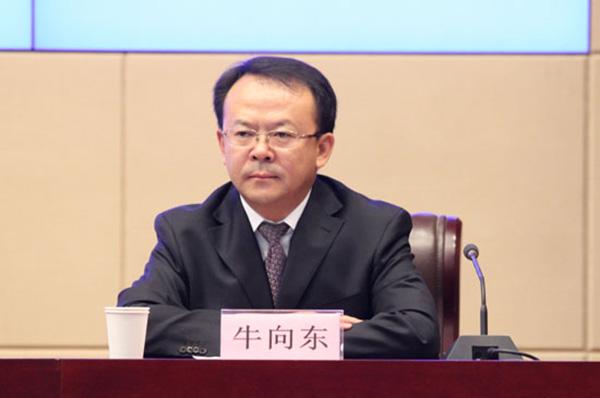 离京赴甘肃的这名北大经济学博士,被指从政动机不纯