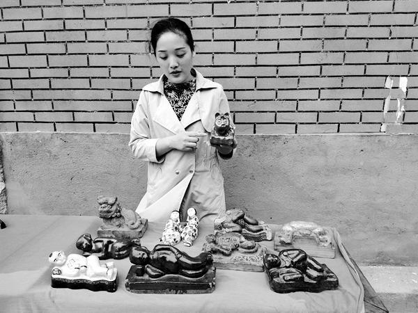 中国消失的一百个行当故事之二十:铜纸镇、铁镇纸、瓷纸镇木镇尺