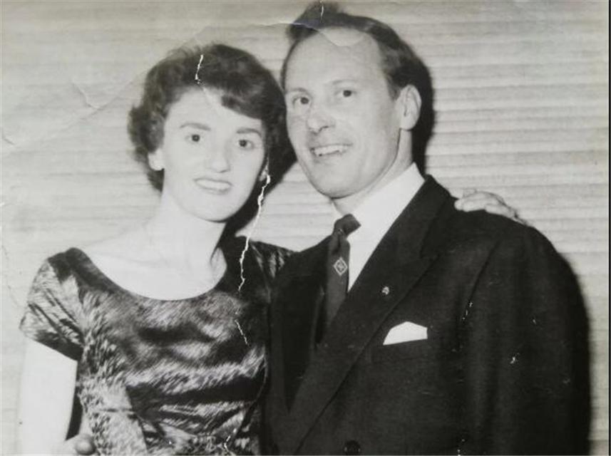 原创 英国最老基友虚实半生缘:娶妻生子如常人,晚年与小丈夫成就圆满