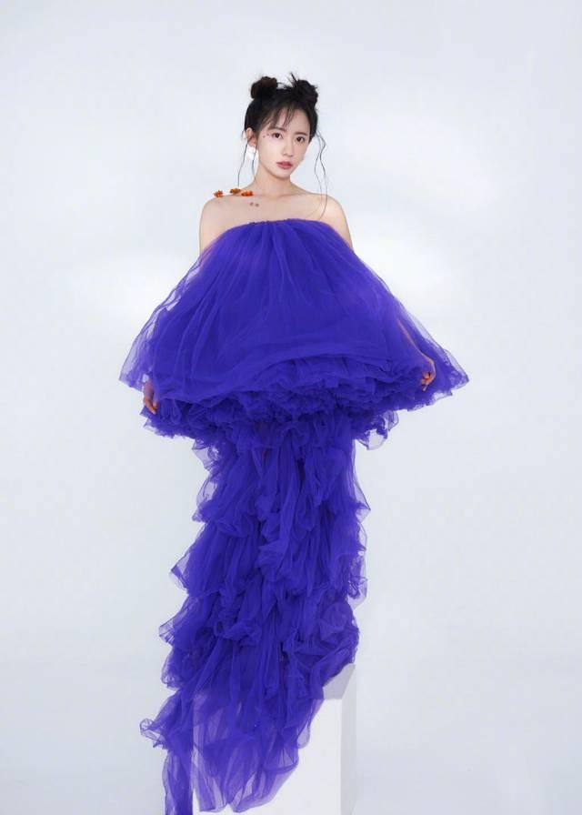 刘萌萌FUNS画报,诺澜还是那个诺澜,只不过是越来越瘦了!