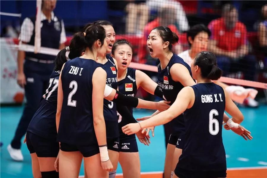 中国女排力克俄罗斯豪取三连胜