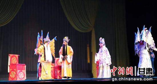 秦腔名家刘随社亮相舞台 金城戏迷大饱耳福