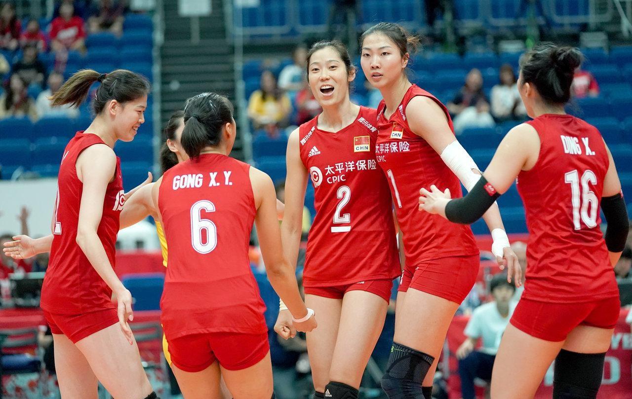 又是3:0,中国女排轻松拿下第4场胜利,保持全胜稳居第一!