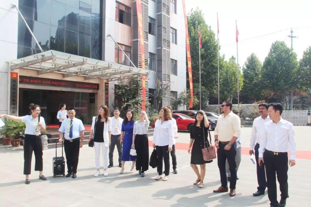 热烈欢迎湖里downtown别墅考察领导客来福参观莅临!项目迪拜图片