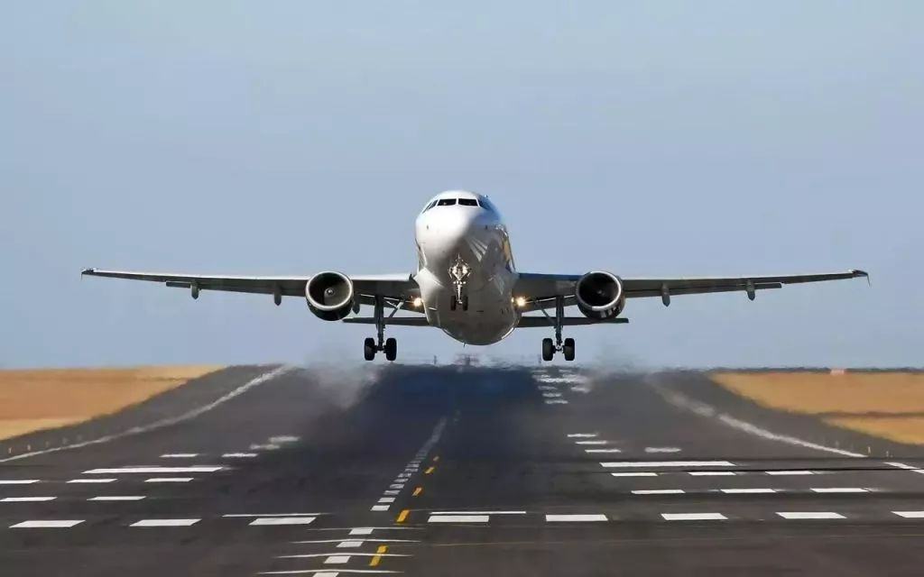 飞机行驶的原理_飞机机翼升力原理图解