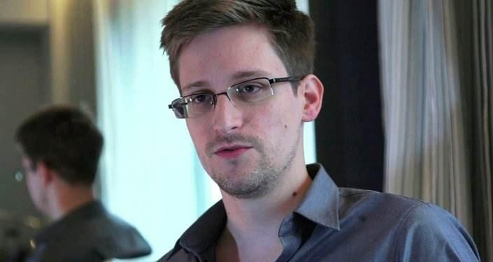 美国司法部指控斯诺登新书违反保密合同