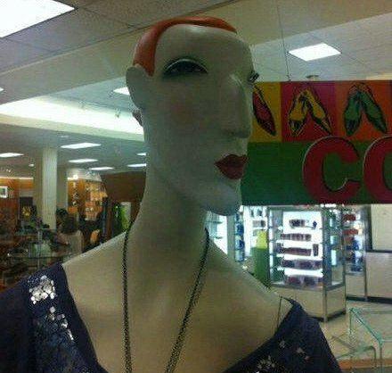 爆笑gif图:老板,你用这么丑的模特衣服能卖出去