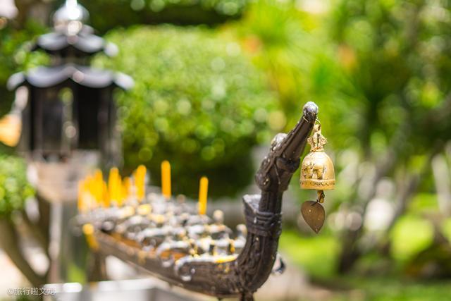 在禁止放鞭炮的泰国,普吉岛因华人众多,只有