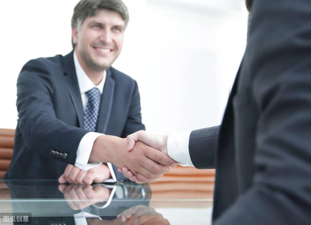 交际场职场必知的几种肢体语言|职场攻略