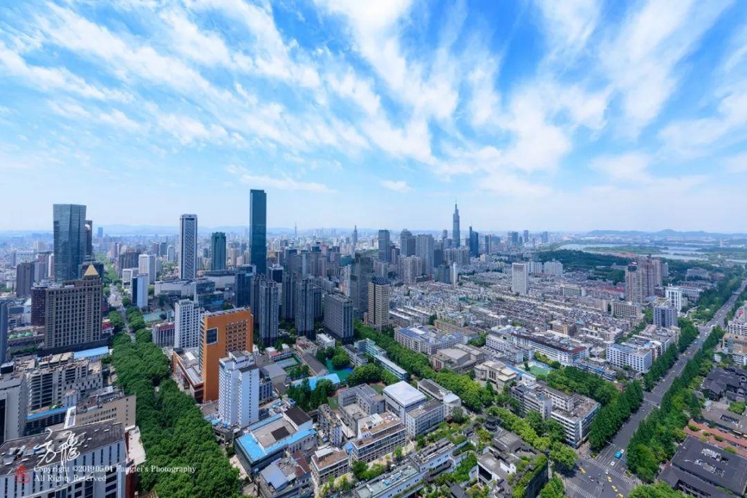 南京上半年经济总量_南京财经大学经济学院