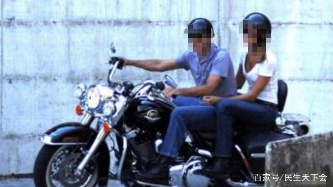 17岁少年深夜带女友外出遇四名劫匪,劫匪:你可以走了,女的留下