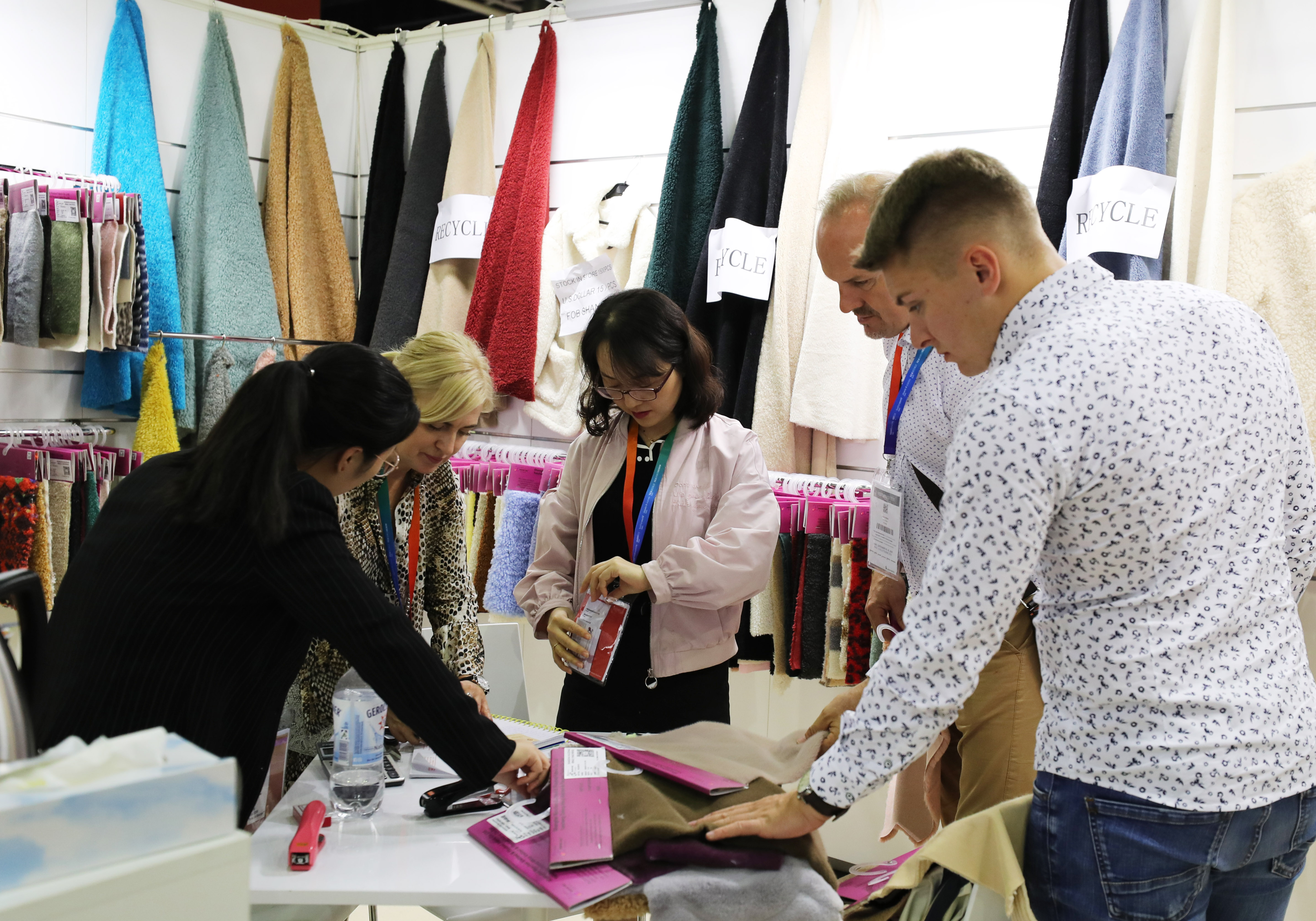 巴黎中国纺织品服装贸易展树立中国品牌新形象