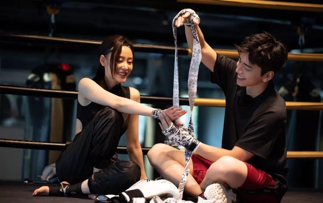 今日热点:张天爱回应恋情传闻;娄艺潇李金铭聚会……