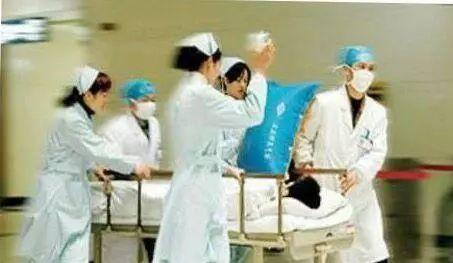 妻子怀孕7个月丈夫没忍住,生下来的孩子,让医生气愤!