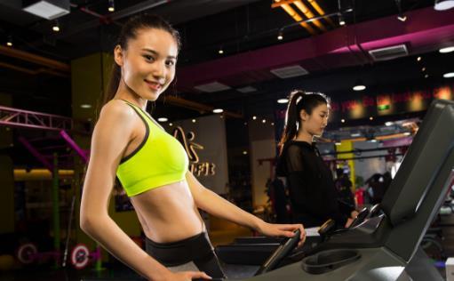 注意饮食给跑步正确的供能