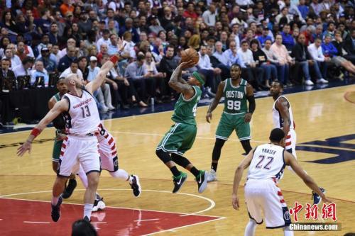 NBA:小托马斯接受左手拇指韧带手术 将缺阵6-8周