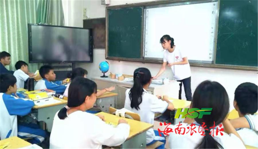 三亚市希望社工在立才中学开展禁毒宣传活动