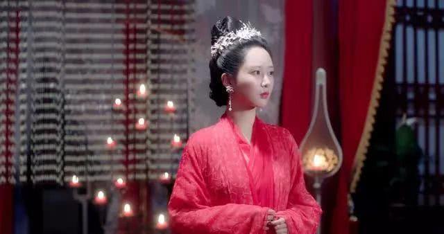 杨紫在剧中最美的五件嫁衣,《喷鼻蜜》第二,第一 最冷艳