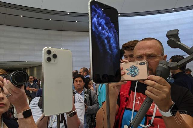 凉的这么快iPhone 11系列价格破发,渠道报价低于官网近600元