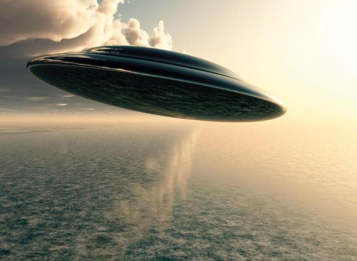 美证实外来飞行物,驾驶员不像是人类,白宫下令进犯消息