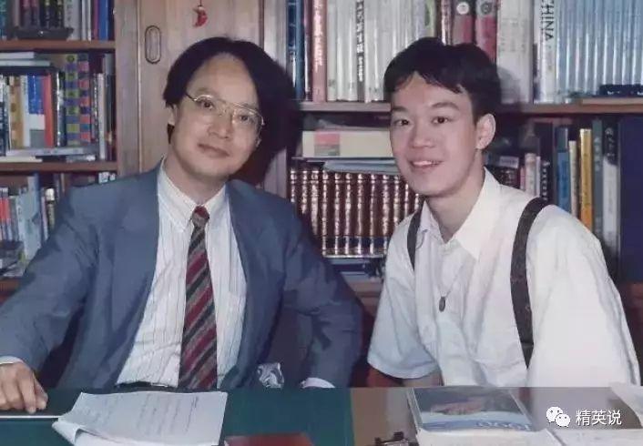有很长一段时间,刘轩在学校的成绩单都是一水儿的c,而他本人还不以为双人功轻丐帮教程图片