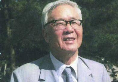 <b>他初中文凭,却成为清华大学老师,还被评选为中国院士</b>