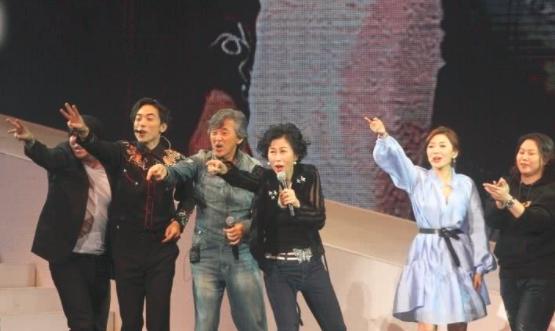 72岁殿堂级歌手林子祥罕露面,头发花白似普通老人,已被人遗忘? 作者: 来源:会火
