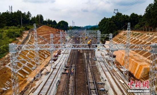 浩吉铁路洞庭湖特大桥创多项世界纪录