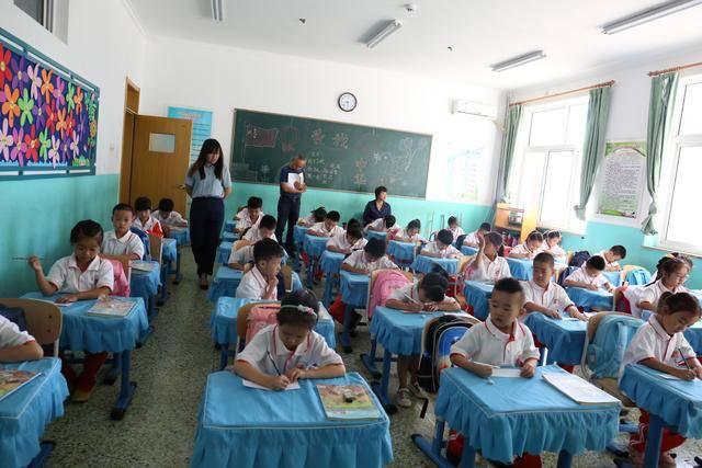北京市大兴区教研员深入大兴区礼贤一小课堂听课调研