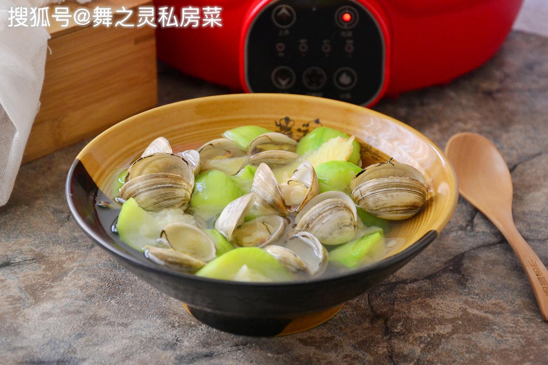 秋季此汤抗病毒还美白,要多喝,做法简单又鲜美,比吃肉营养