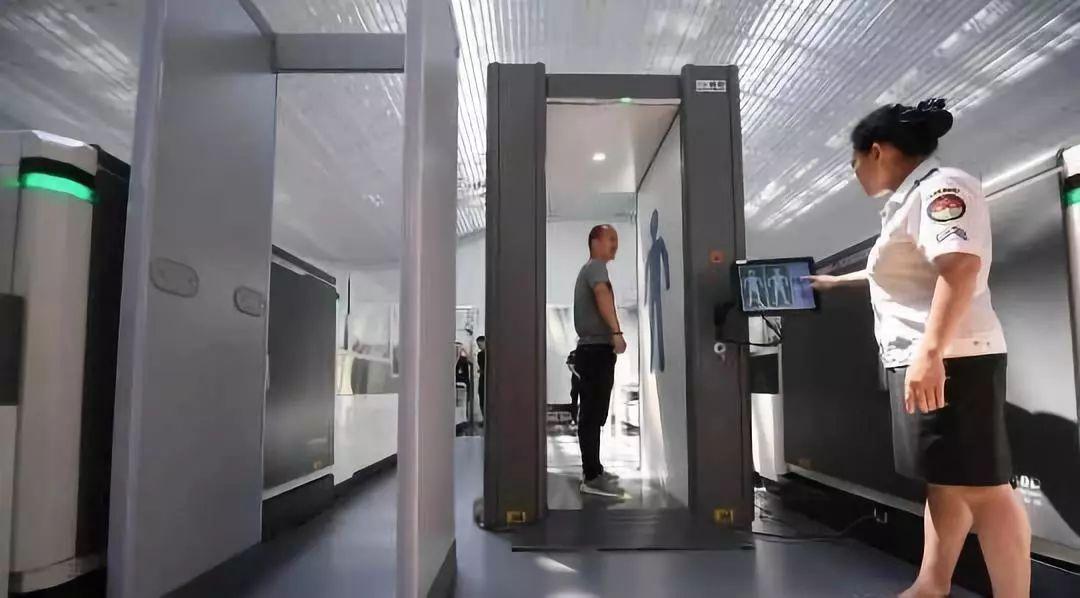热点 广州白云机场开启 易安检 模式 成中国民航首批试点