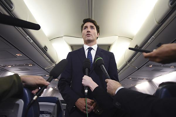 加拿大总理特鲁多就旧照道歉,承认照片带有种族主义色彩