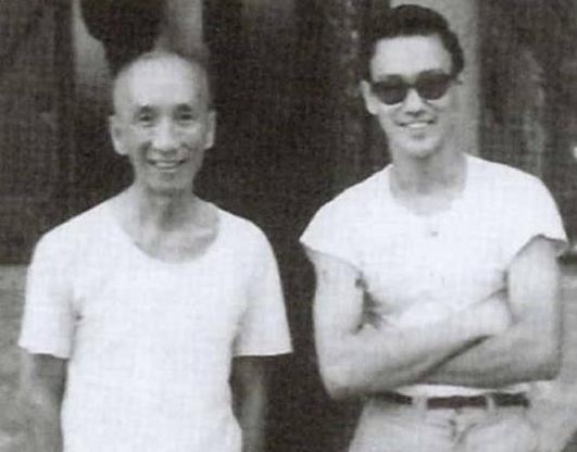 李小龙生前与朋友的合影,无比珍贵,最后一张成龙看了尴尬