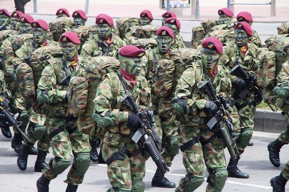 烧200万美金只为取暖?大毒枭组建4万人军队,控制美国毒品市场