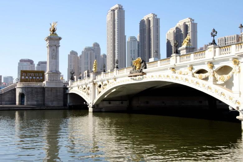 天津被誉为中国浪漫的旅游城市,拥有西洋风格建筑,情侣们喜欢来
