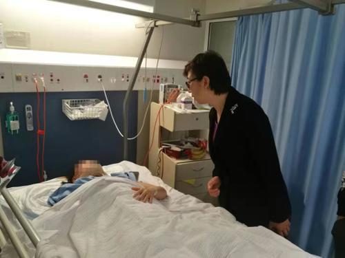 驻珀斯总领馆副总领事看望交通事故中受伤澳门同胞