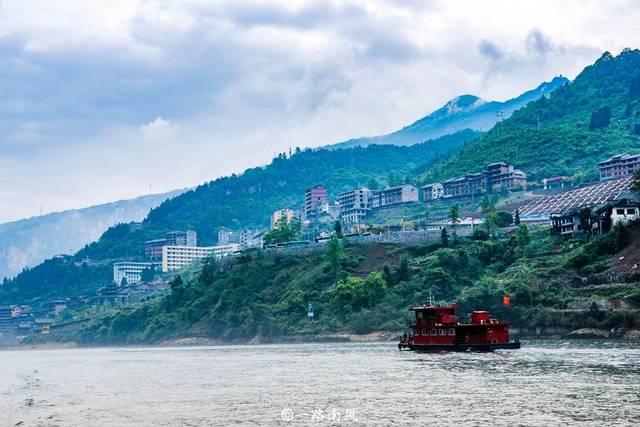 重庆大山深处隐藏一条百里画廊,景色梦幻如仙境,比洪崖洞还美!